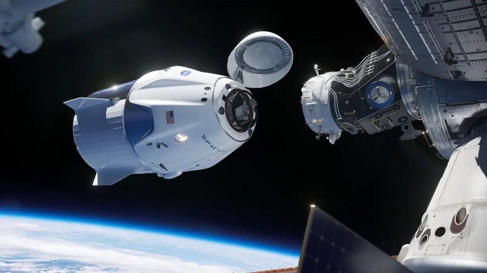 Live: Οι αστροναύτες έφτασαν στον Διεθνή Διαστημικό Σταθμό
