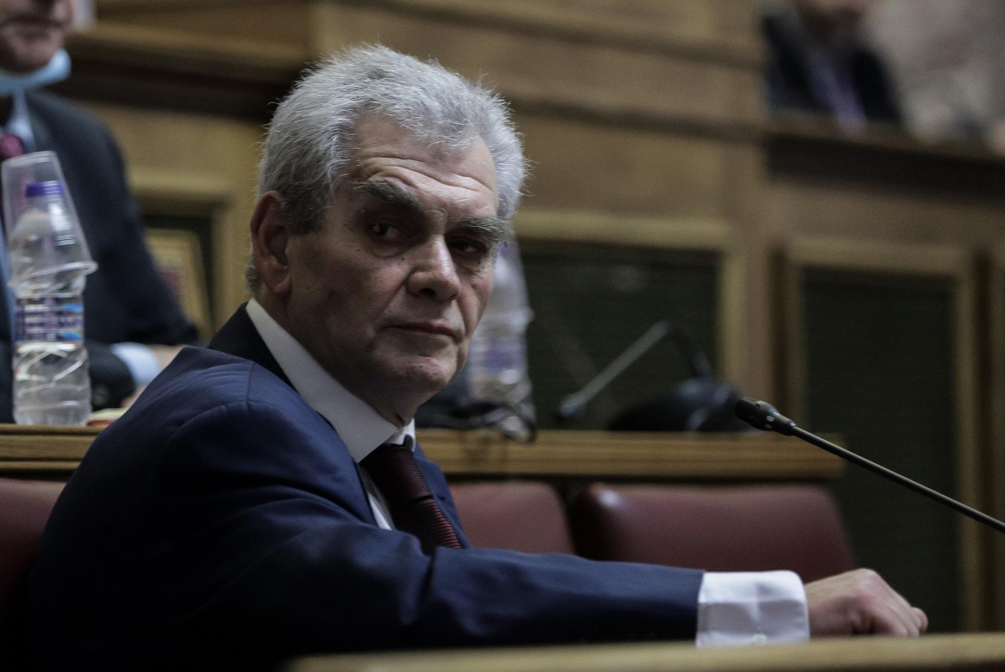 Αποχώρησε από την προανακριτική επιτροπή ο Δ. Παπαγγελόπουλος