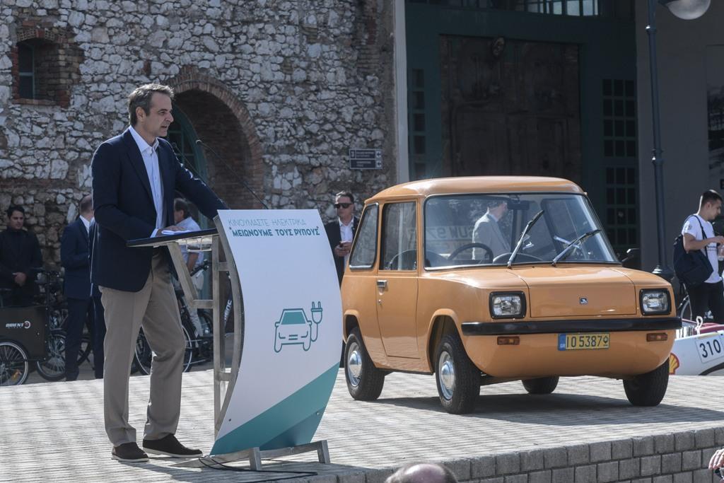 Μητσοτάκης: Στόχος 1 στα 3 οχήματα το 2030 να είναι ηλεκτροκίνητο – Ποια είναι τα κίνητρα