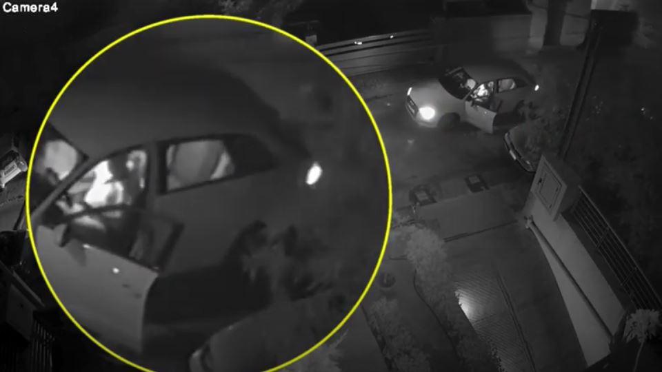 Η σκηνή της ενέδρας στον Στέφανο Χίο –  Καρέ καρέ η απόπειρα δολοφονίας (βίντεο)