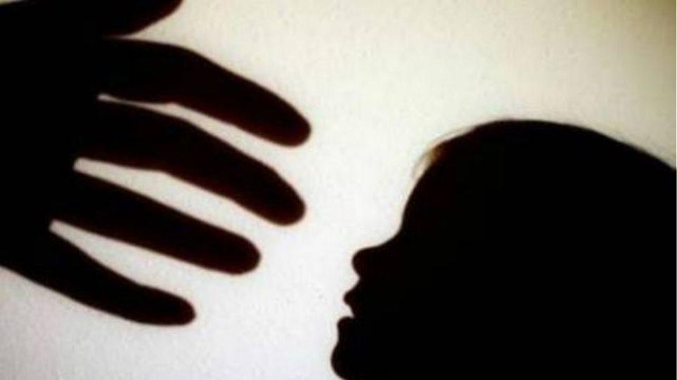 Υπόθεση σεξουαλικής κακοποίησης στη Ριτσώνα: Στον εισαγγελέα ο πατέρας που εξανάγκαζε το 8χρονο κοριτσάκι του σε ασελγείς πράξεις