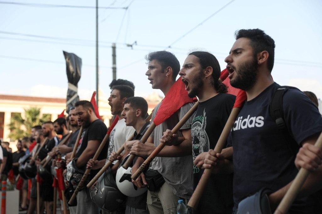 Νόμος για τις διαδηλώσεις: Ποιος και τι πληρώνει για τα «σπασμένα»