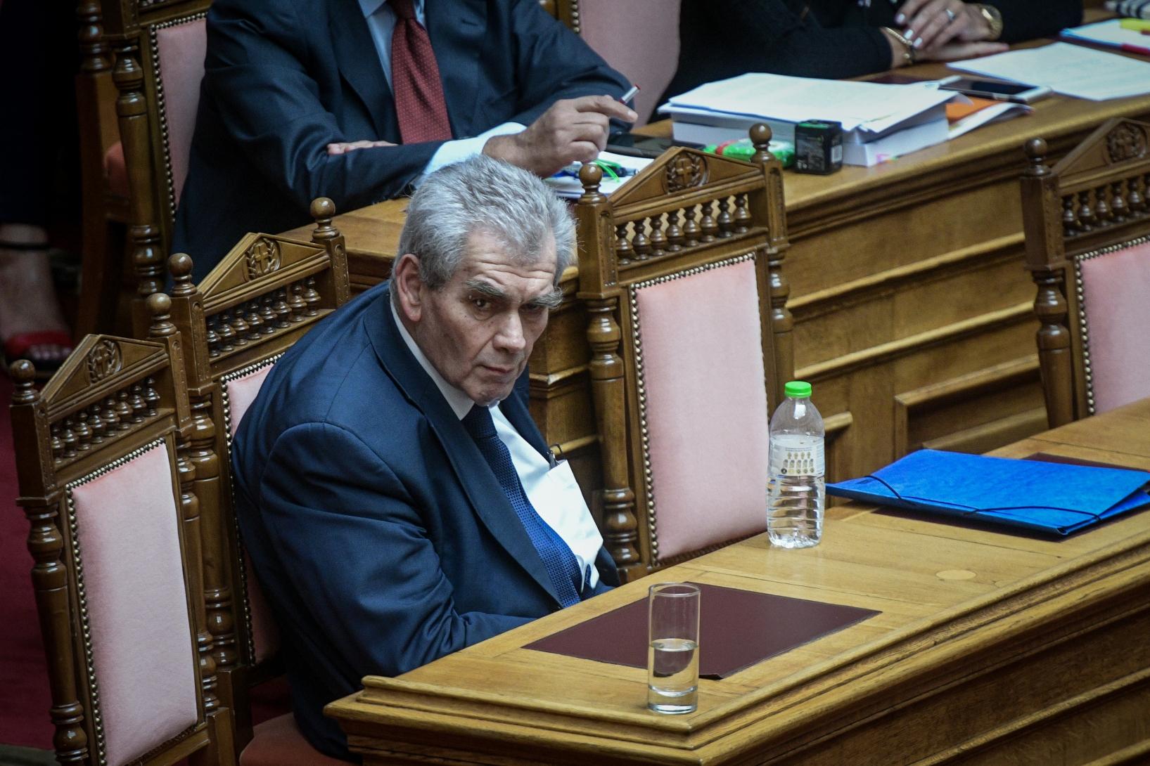 Το δρόμο του Ειδικού Δικαστηρίου παίρνει ο Δ. Παπαγγελόπουλος- Με 177 ψήφους αποφασίστηκε η δίωξη του από την Ολομέλεια της Βουλής