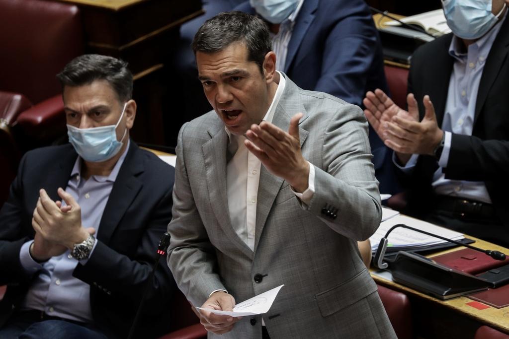 ΣΥΡΙΖΑ: «Πραξικόπημα», «κλοπή» και «εμπαιγμός» η εξαγγελία Μητσοτάκη για τα αναδρομικά