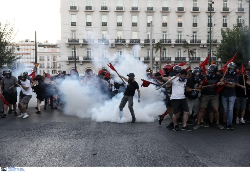 Ελεύθεροι οι συλληφθέντες των επεισοδίων κατά τη συζήτηση του ν/σ για τις διαδηλώσεις