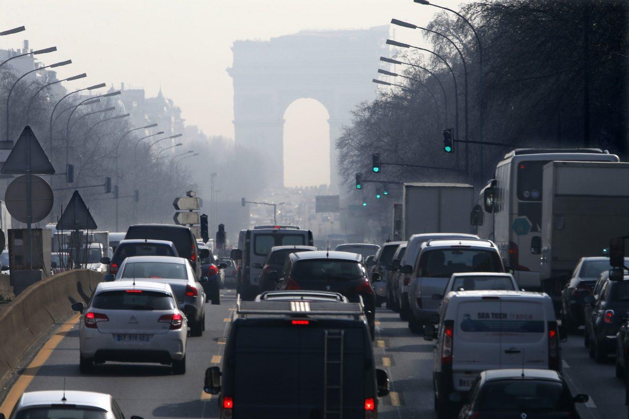 Γαλλία: Οι διοικητικοί δικαστές έδωσαν τελεσίγραφο στην κυβέρνηση για την ατμοσφαιρική ρύπανση