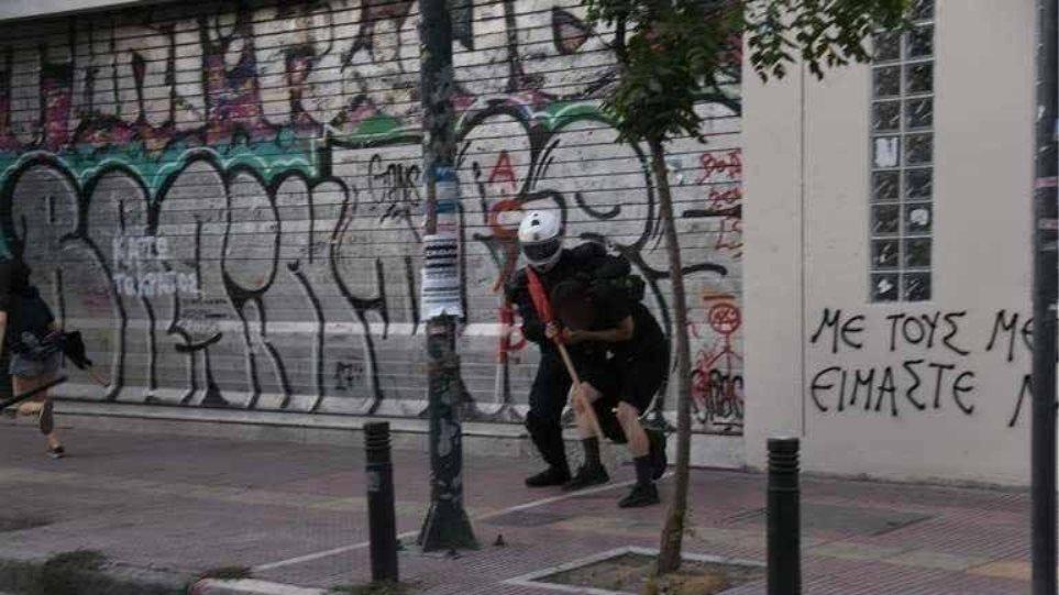 Ελεύθεροι οι συλληφθέντες της ΑΣΟΕΕ με όρο να μην πηγαίνουν στα Εξάρχεια