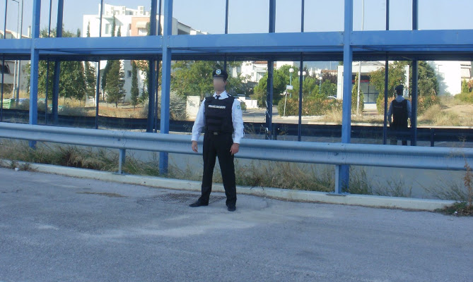 Ιδού η απόφαση: Σε ιδιώτες – ένστολους και ένοπλους- η φύλαξη δημόσιων εγκαταστάσεων- Φεύγει η αστυνομία