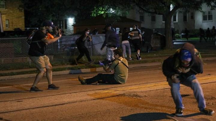 Διαδηλώσεις στο Ουισκόνσιν: 17χρονος πυροβολεί εναντίον διαδηλωτών