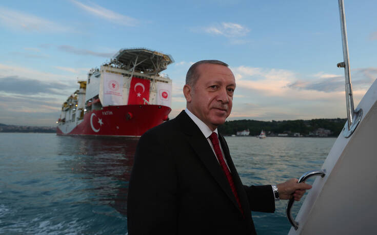 Συντηρεί τα σενάρια ο Ερντογάν: «Βαρύ τίμημα αν επιτεθούν στο Ορούτς Ρέις, σήμερα πήραν απάντηση»