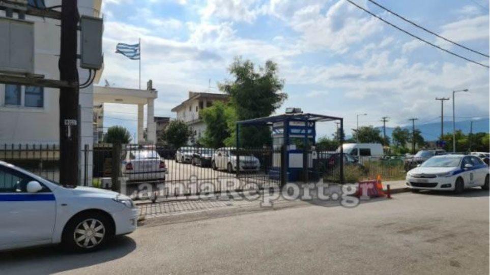 Κορωνοϊός – Λαμία: «Αρνητικοί» οι αστυνομικοί, δεύτερος κρατούμενος «θετικός»