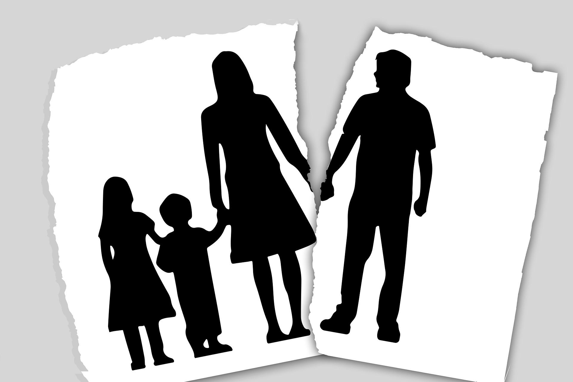 Ο κορονοϊός οδήγησε σε… απόσταση και την επικοινωνία διαζευγμένων γονιών με τα παιδιά τους