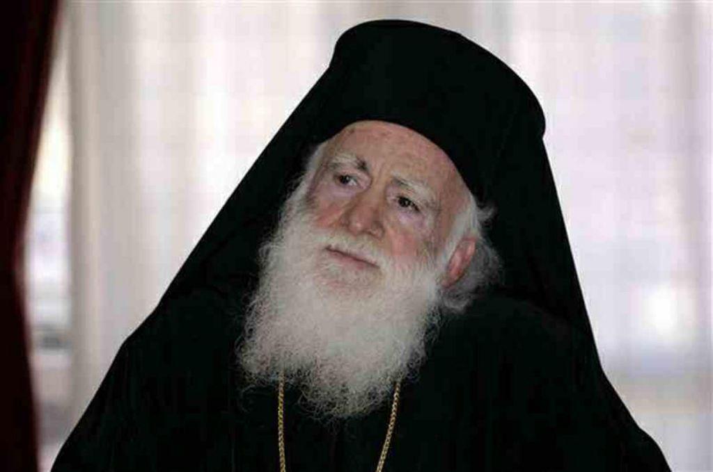 Αρχιεπίσκοπος Κρήτης Ειρηναίος: Μην φοράτε μάσκα στην εκκλησία, φυλακίζει την πίστη