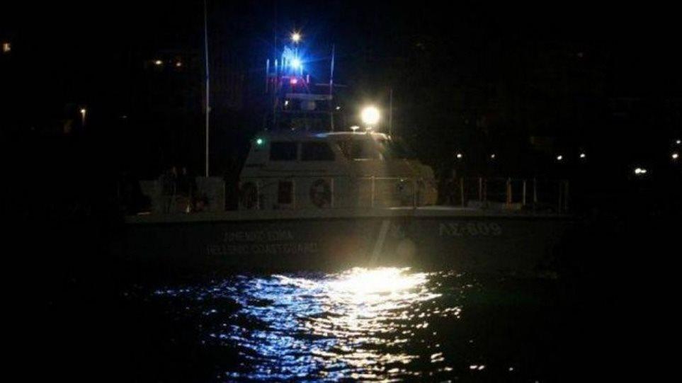 Χάλκη: Σε εξέλιξη μεγάλη επιχείρηση διάσωσης δεκάδων μεταναστών που επέβαιναν σε σκάφος