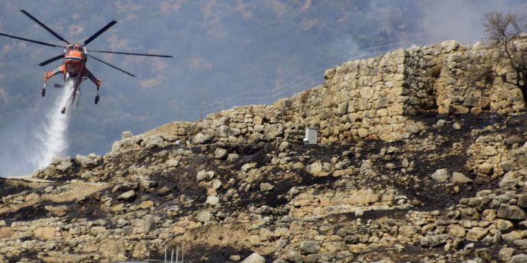 Φωτιά στις Μυκήνες: Γλίτωσαν οι αρχαιότητες -Ποια τμήματα επλήγησαν στον αρχαιολογικό χώρο