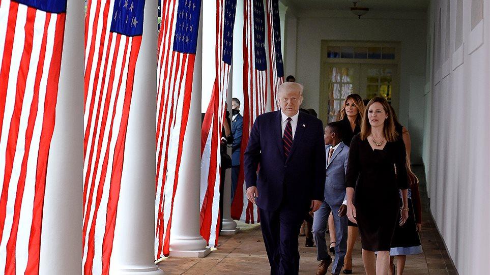 ΗΠΑ: Ο Τραμπ προτείνει τη συντηρητική Άμι Κόνεϊ Μπάρετ για το Ανώτατο Δικαστήριο – Γιατί βιάζεται για τον διορισμό