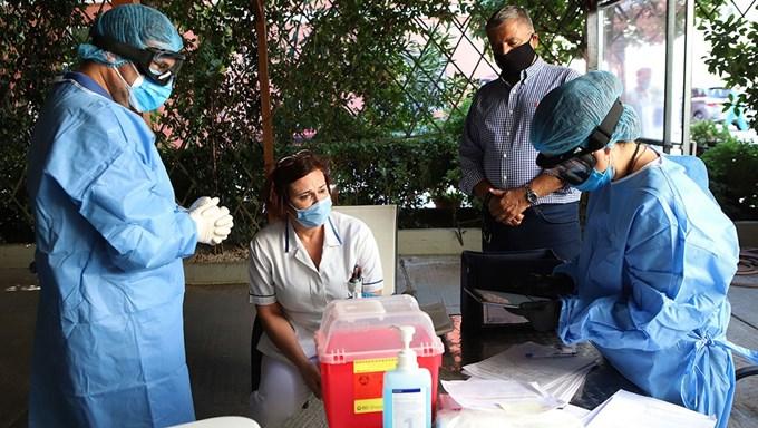 Ανησυχία για τον κορονοϊό στο κέντρο της Αθήνας – Έξι νέα κρούσματα στη Κυψέλη σε 106 τεστ