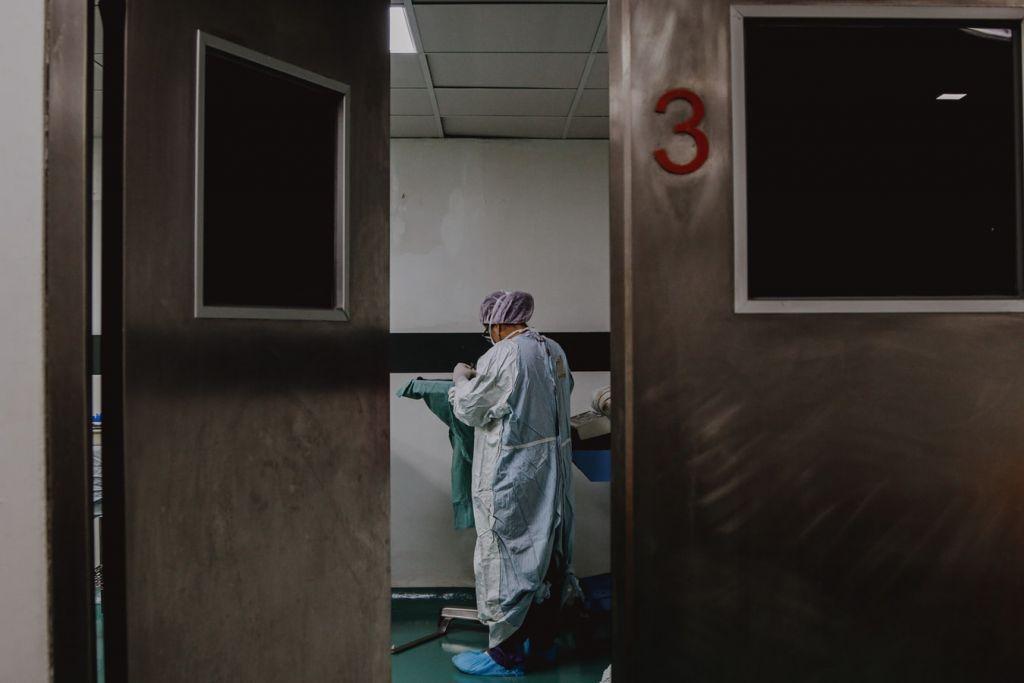 Εφιάλτης χωρίς τέλος: Νέο ρεκόρ με 499 διασωληνωμένους -3.227 κρούσματα και 59 νεκρούς