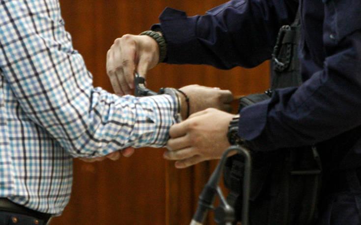 Σύλληψη 91 ατόμων που επιχείρησαν να ταξιδέψουν αεροπορικώς με πλαστά έγγραφα