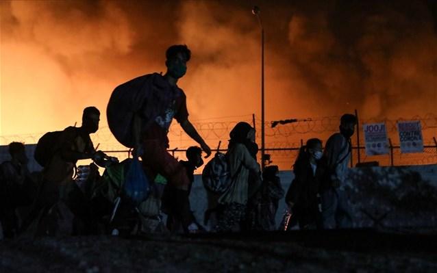 ΜόριαSOS: Κάηκε το αρχείο της Υπηρεσίας Ασύλου- Εγκλωβισμένοι κινδυνεύουν να μείνουν στο νησί εκατοντάδες πρόσφυγες και μετανάστες