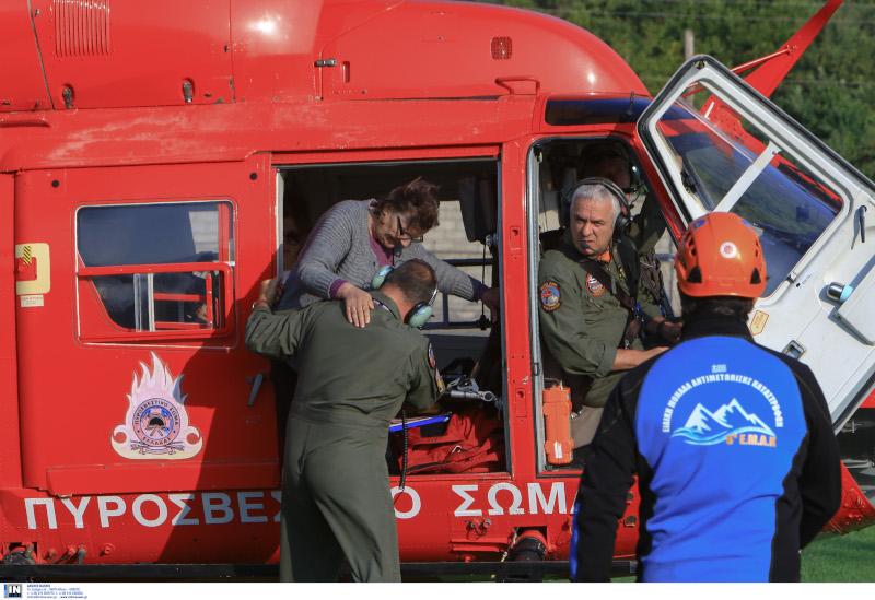 Καρδίτσα: Σε εξέλιξη η επιχείρηση απεγκλωβισμού 40 κατοίκων της Οξυάς