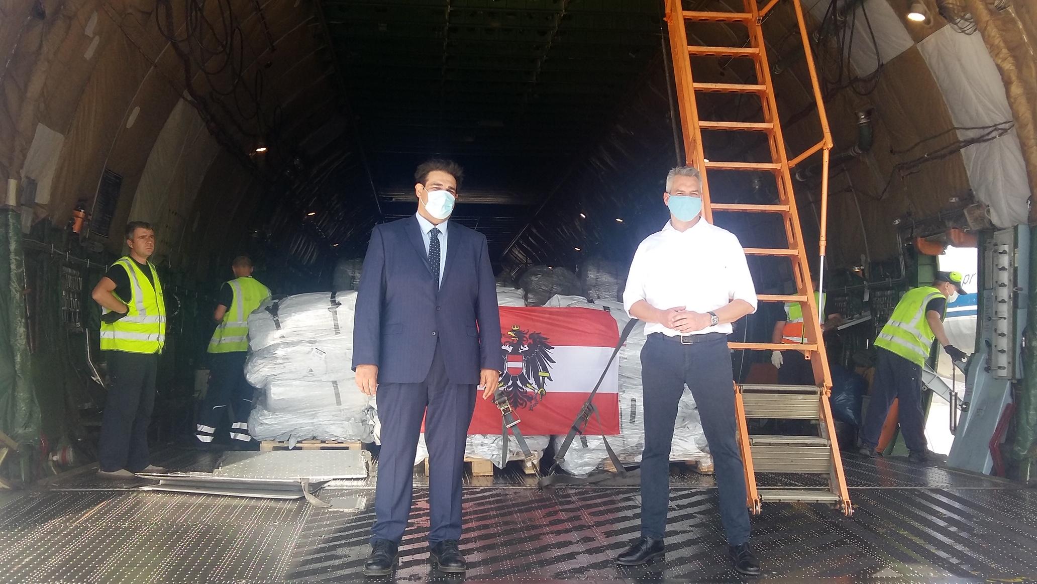 Ανθρωπιστική βοήθεια 55 τόνων παρέλαβε από την Αυστρία ο Θ. Λιβάνιος