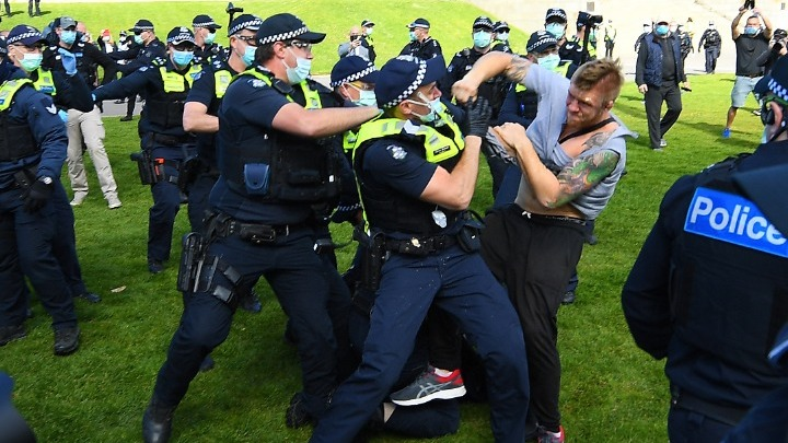 COVID-19: Διαδηλώσεις κατά του lockdown στη Μελβούρνη και το Σίδνεϊ