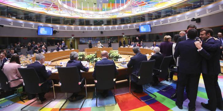Σύνοδος Κορυφής: Έκτακτη συνάντηση Μητσοτάκη με Μακρόν, Μέρκελ Αναστασιάδη – Γιατί η Ελλάδα αρνήθηκε το προσχέδιο