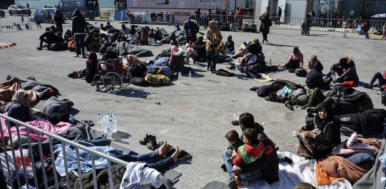 Λέσβος: Αναχωρούν για την ηπειρωτική Ελλάδα 850 πρόσφυγες και μετανάστες