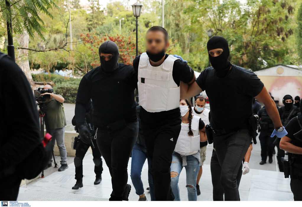 """""""Φιάσκο"""" της ΕΛΑΣ με την προκήρυξη της ΟΛΑ – Πώς έγινε η ανατροπή στην υπόθεση ενός από τους συλληφθέντες για τη γιάφκα στο Κουκάκι"""
