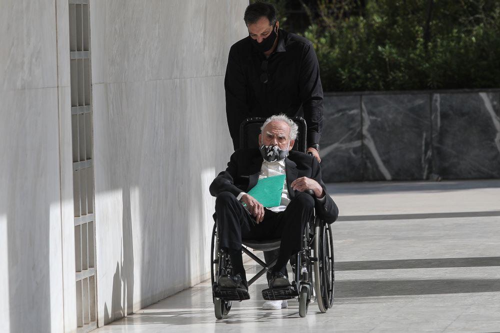 Άκης Τσοχατζόπουλος: Οι φωτογραφίες – σοκ σε αναπηρικό καροτσάκι στον Αρειο Πάγο