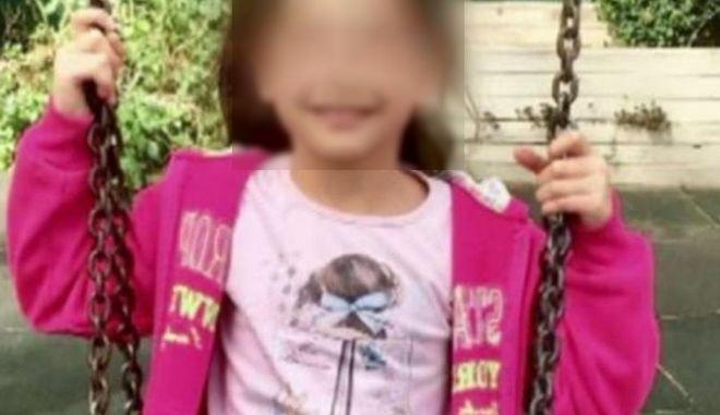 8χρονη Αλεξία: Ξεκίνησε η δίκη για τον τραυματισμό της από αδέσποτη σφαίρα, ανήμερα το Πάσχα του 2019 – ΒΙΝΤΕΟ