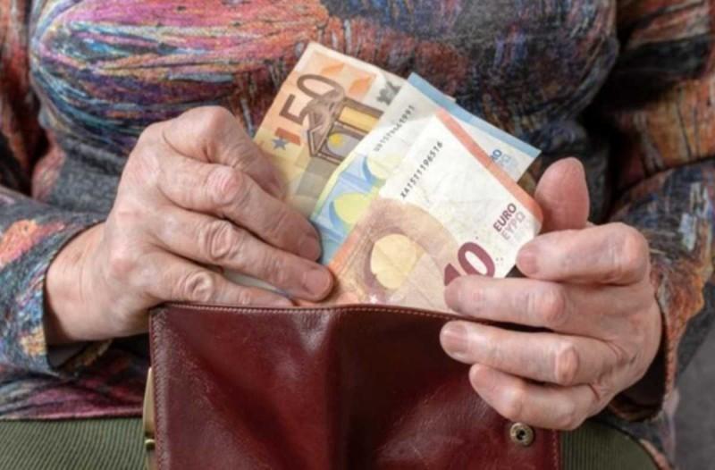 «Ταφόπλακα» στη δικαστική διεκδίκηση αναδρομικών καταγγέλλουν οι συνταξιούχοι- Τι προβλέπει διάταξη του νόμου, τι λένε οι υπουργικές αποφάσεις