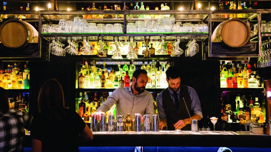 Αλλαγές στο ωράριο μπαρ και καταστημάτωνεστίασης