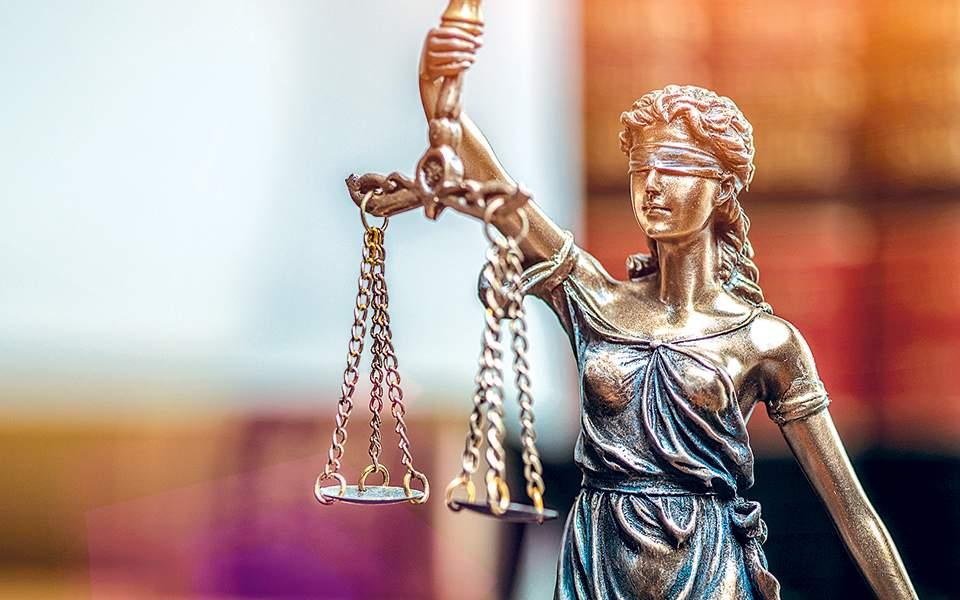 Στα… μαλακά κατηγορούμενος για αποπλάνηση ανηλίκου, βάσει του νέου ποινικού κώδικα