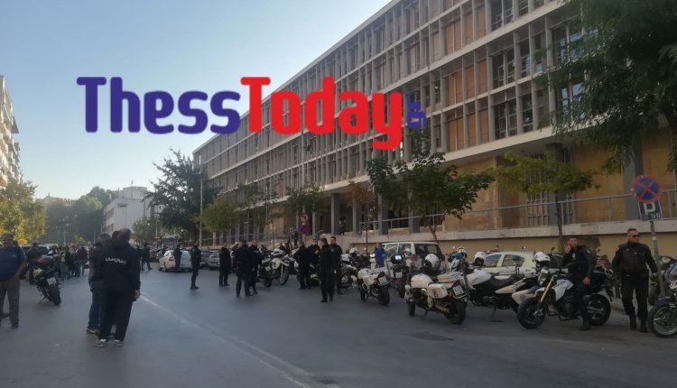Τηλεφώνημα για βόμβα στο Δικαστικό Μέγαρο Θεσσαλονίκης – Εκκενώθηκε το κτήριο – ΒΙΝΤΕΟ – ΦΩΤΟ