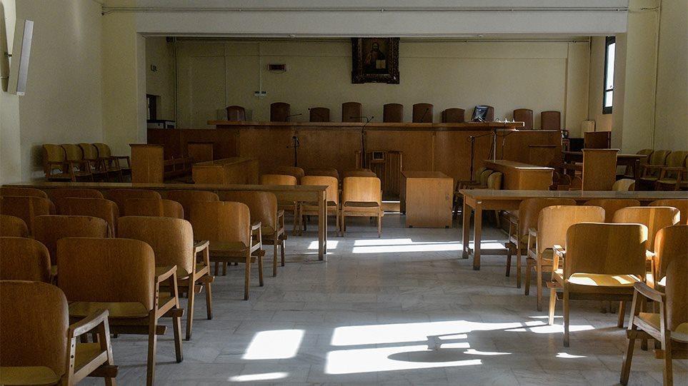 Καλαμαριά : Αναβιώνει η δολοφονία 63χρονης από ψυκτικό – Για παθολογικό πρόβλημα του κατηγορουμένου μιλά η υπεράσπιση