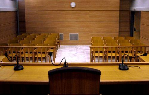 Ένωση Ποινικολόγων και Μαχόμενων Δικηγόρων: Αναλαμβάνει το κόστος για plexiglass στα δικαστήρια και ανακαίνισης των αιθουσών επισκεπτηρίων των δικηγόρων στον Κορυδαλλό