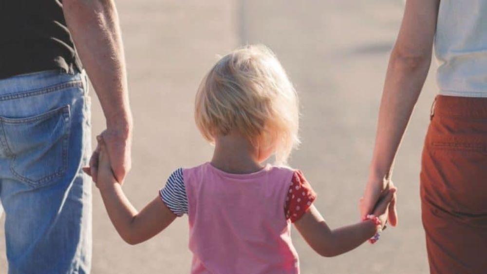 Ενεργοί Μπαμπάδες: Οι 9 στους 10 πολίτες συμφωνούν με τη συνεπιμέλεια των παιδιών – Τι λέει πανελλαδική δημοσκόπηση