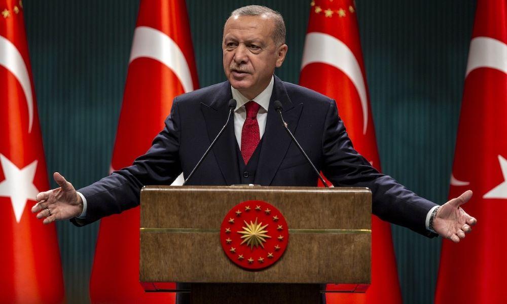 """Νέες φαντασιοπληξίες Ερντογάν: """"Οι χώρες της Δύσης θέλουν να αρχίσουν και πάλι τις Σταυροφορίες – """"Ανήθικο"""" το Charlie Hebdo"""" – BINTEO"""