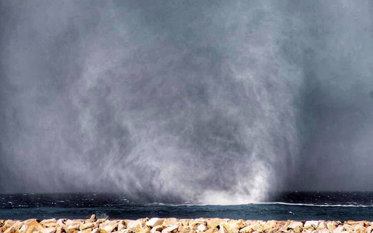 Εντυπωσιακός υδροστρόβιλος στην Νάξο (Φωτο)