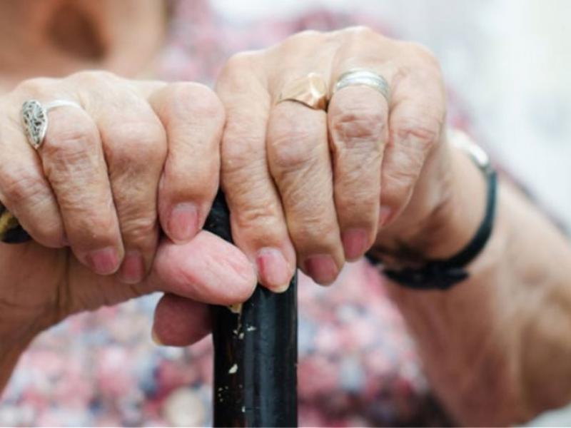 """""""Στη μέγγενη"""" του κορονοϊού ένα ακόμα γηροκομείo στη Θεσσαλονίκη – Τουλάχιστον 20 κρούσματα κορoνοϊού – BINTEO"""