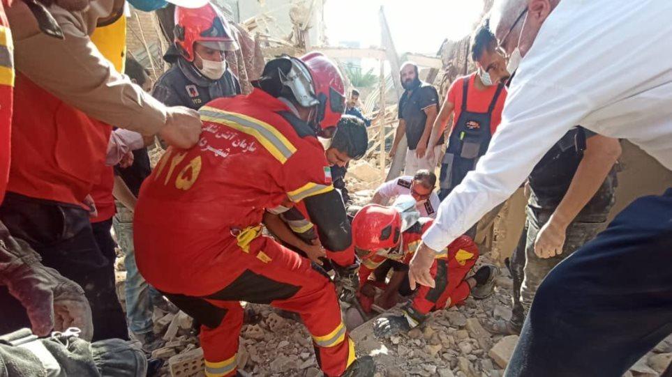Ιράν: Ισοπεδώθηκε κτίριο από έκρηξη αερίου – Τουλάχιστον τρεις οι νεκροί (Βίντεο)