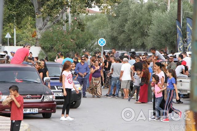 Καλαμάτα: Σοβαρά επεισόδια μετά τον θάνατο 18χρονου Ρομά -Οδοφράγματα και επιθέσεις σε αυτοκίνητα, σπασμένες βιτρίνες