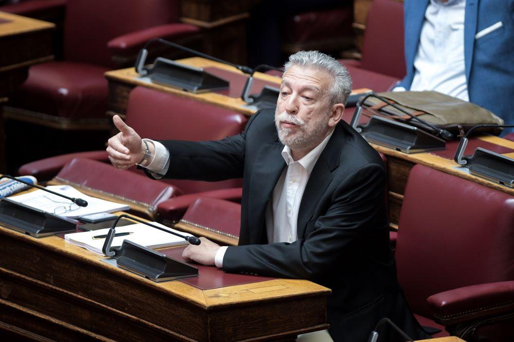 """Βόμβες Κοντονή κατά ΣΥΡΙΖΑ – """"Ηπιότερες ποινές στη Χρυσή Αυγή λόγω του νέου ποινικού κώδικα"""" – Τροπολογία ΣΥΡΙΖΑ για τα πολιτικά δικαιώματα"""
