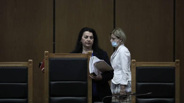 """Πρόεδρος και Εισαγγελέας στη δίκη της Χρυσής Αυγής: Δύο """"ξένες"""" στην ίδια έδρα"""