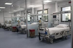 """Αγρίνιο: Παραιτήθηκε (αφού πρώτα τον """"παραίτησε"""" ο Κοντοζαμάνης) ο διοικητής του Νοσοκομείου για την υπόθεση με τους θανάτους στην ΜΕΘ"""