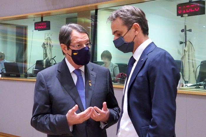 Λευκός καπνός στις Βρυξέλλες μετά το διπλωματικό θρίλερ στη Σύνοδο Κορυφής – Ύψωσε ανάστημα η Ελλάδα – ΒΙΝΤΕΟ – ΦΩΤΟ