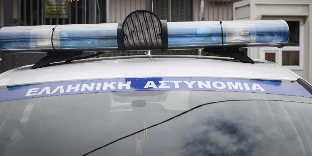 Δίκη Χρυσής Αυγής: Παραδόθηκαν στο Αστυνομικό Τμήμα Περάματος δύο μέλη που καταδικάστηκαν