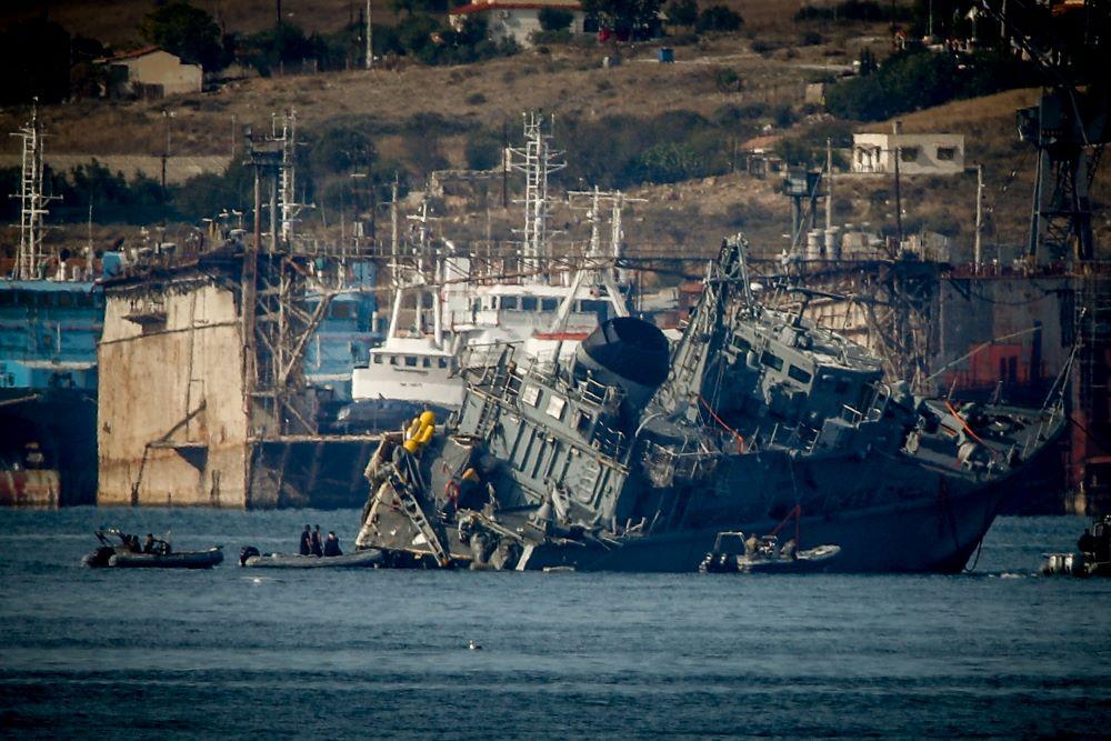 Σύγκρουση πλοίων στον Πειραιά: Ο εισαγγελέας διέταξε τη σύλληψη του πλοιάρχου του Maersk Launceston για πρόκληση ναυαγίου από αμέλεια